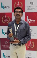 Debasis Mandal with International Education Icon award