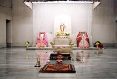 Thakur, Ma, Swamiji